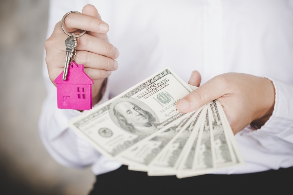 Who Makes More Money, Real Estate Agent or Broker?